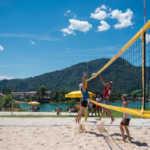 Bild zu Kunden des E-Werk Tegernsee unterstützen die Tegernseer Beachvolleyballer